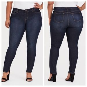 Torrid Curvy Skinny High Rise Jean Dark Wash 18S